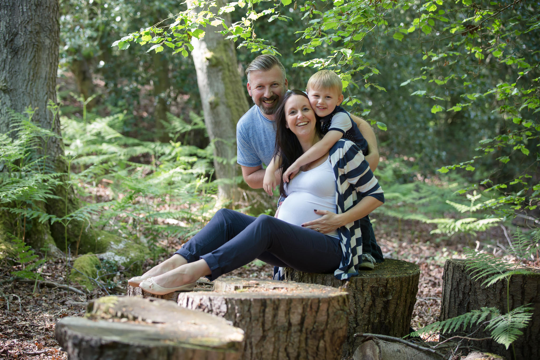 Maternity-Shoot-With-Children-Berkshire