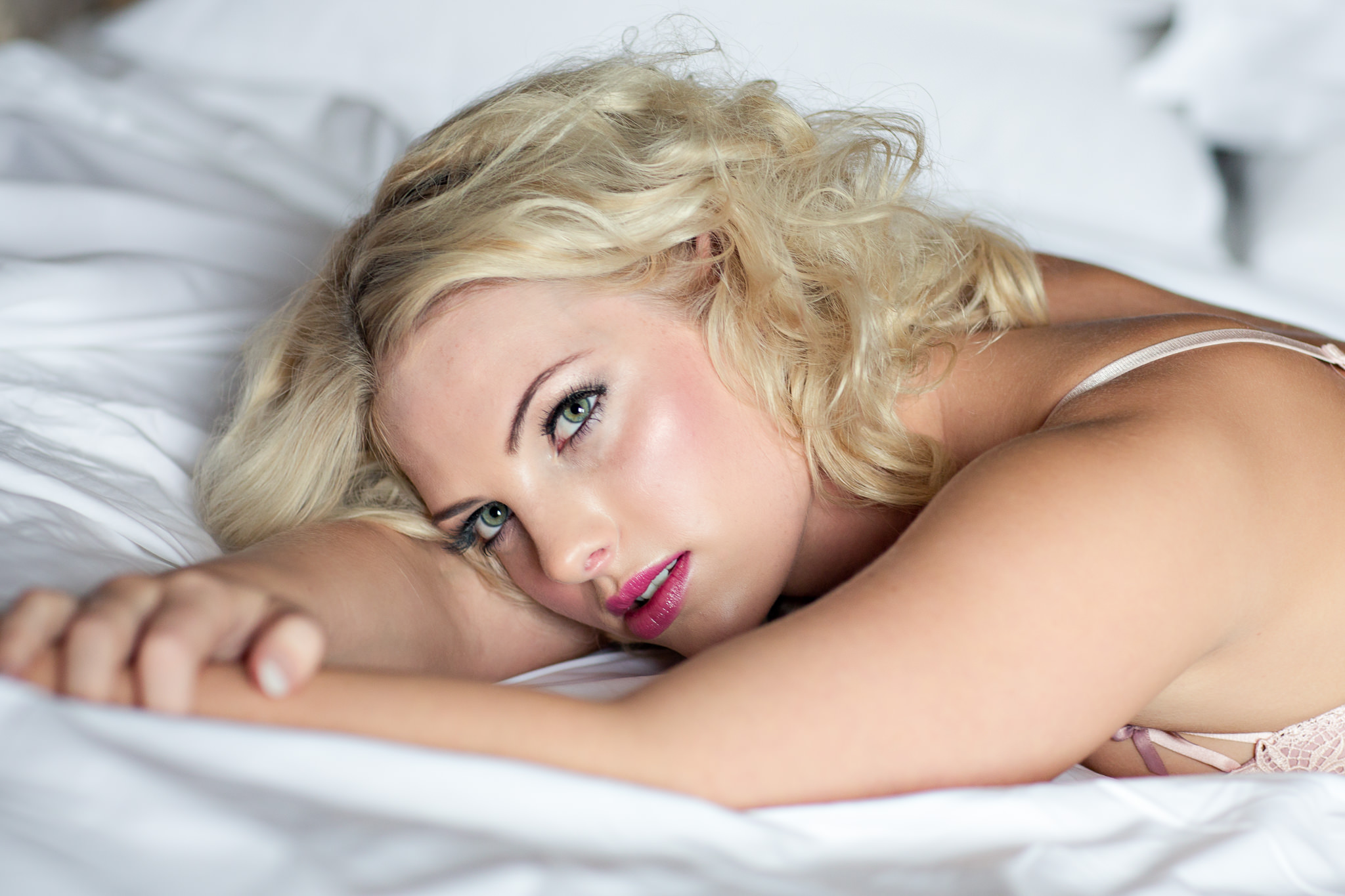 Relaxed-Boudoir-Photographer-From-Hampshire