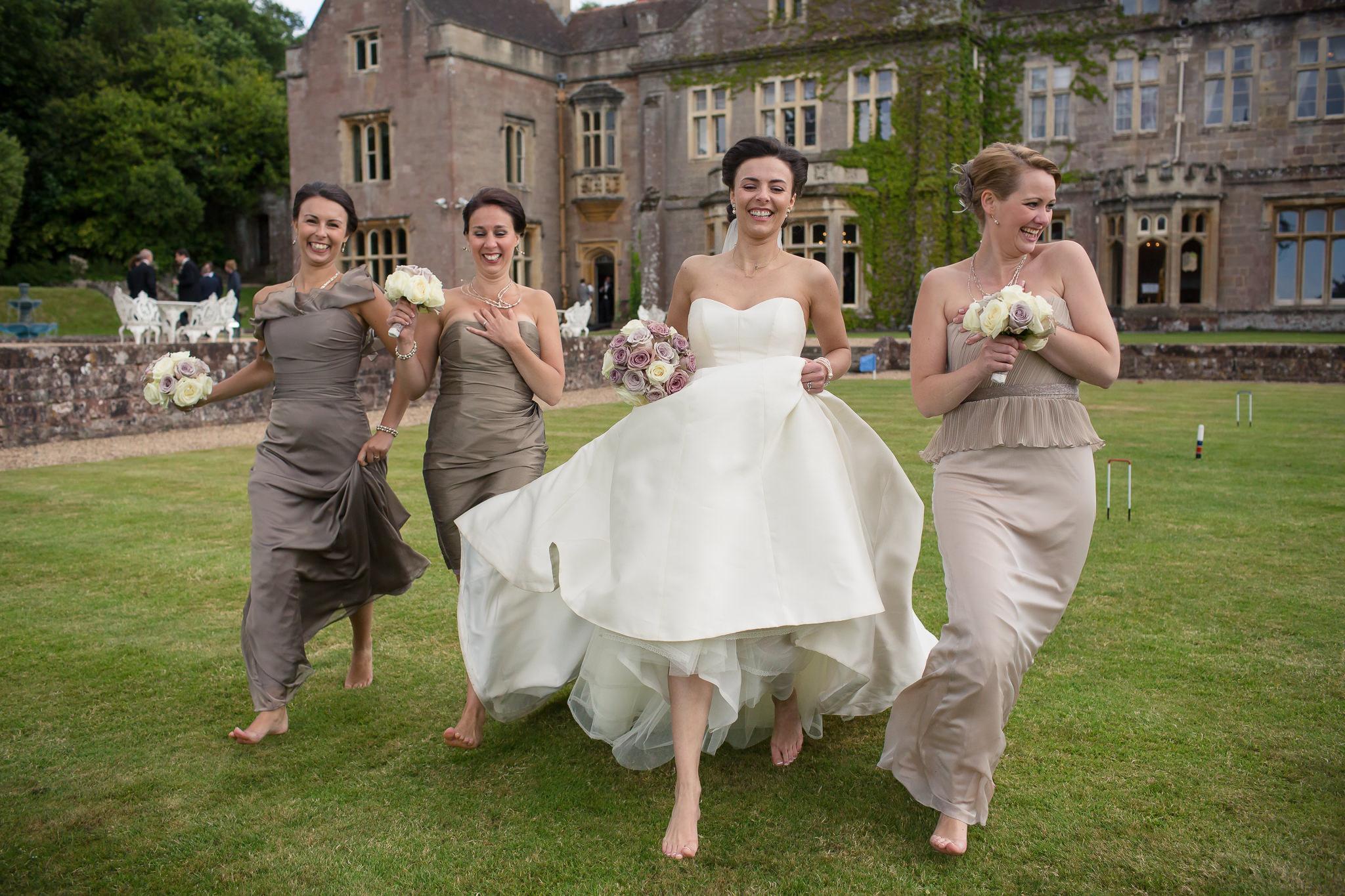 Fun-Relaxed-Wedding-Photography-In-Bath