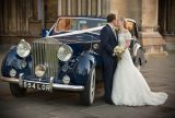 23-elegant-wedding-photography-blue-rolls-royce-berkshire