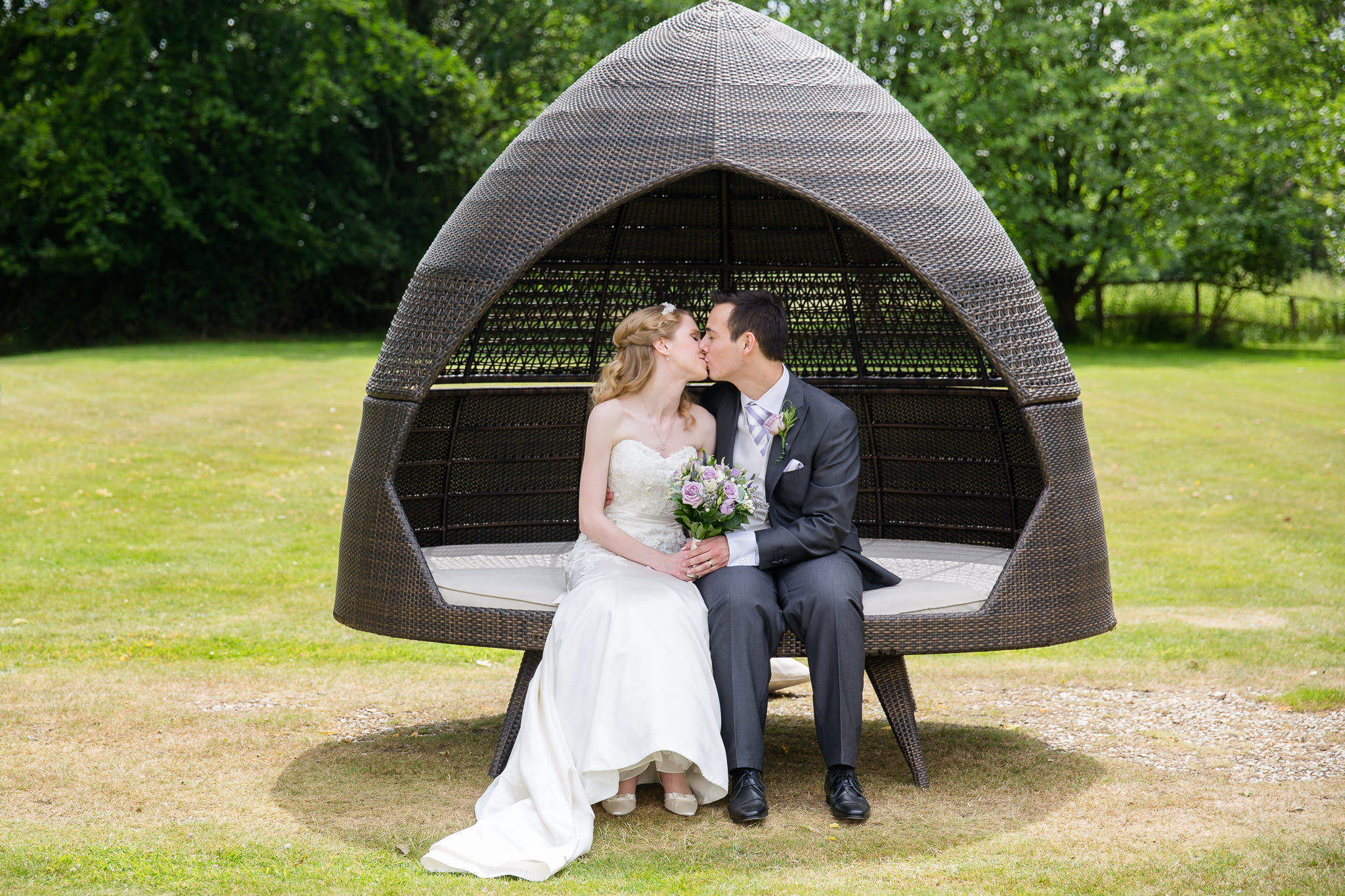 Relaxed-Oxfordshire-Professional-Wedding-Photography