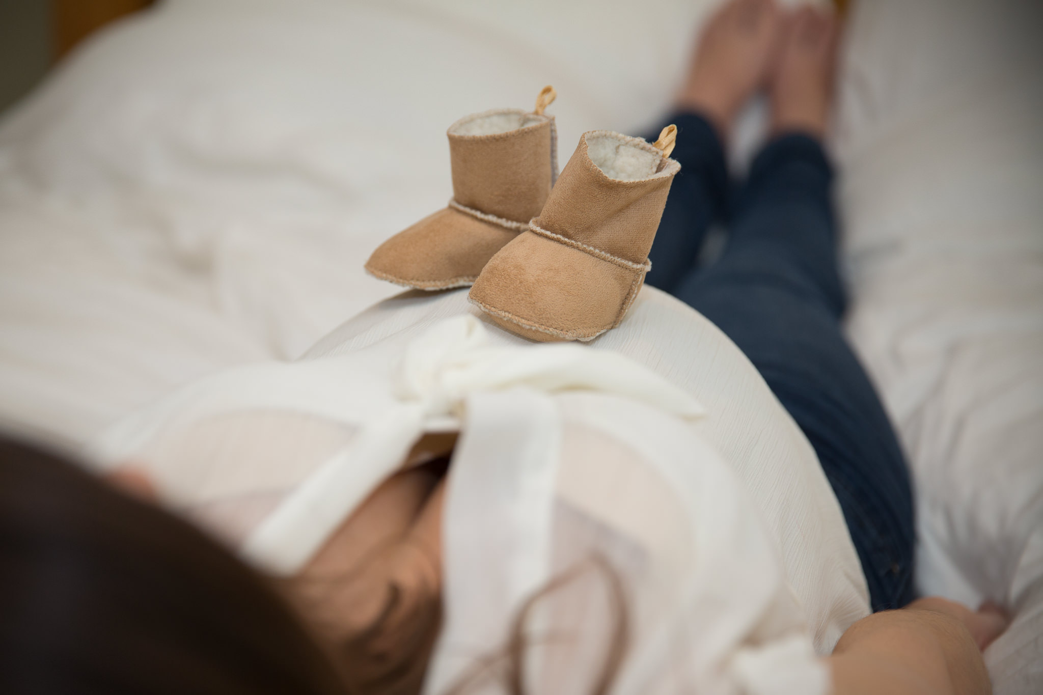 Baby-Boots-On-Bump-Fun-Maternity-Shoot-Oxfordshire