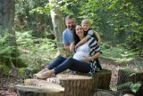 4-maternity-photography-with-older-brother-berkshire