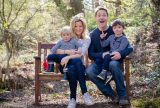 8-relaxed-outdoor-natural-light-family-portrait