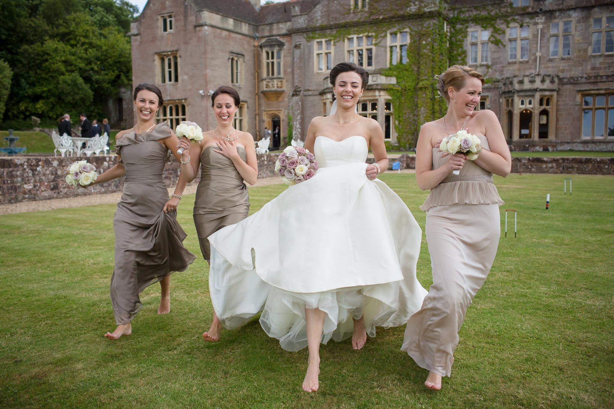 Fun-wedding-photography-in-Berkshire