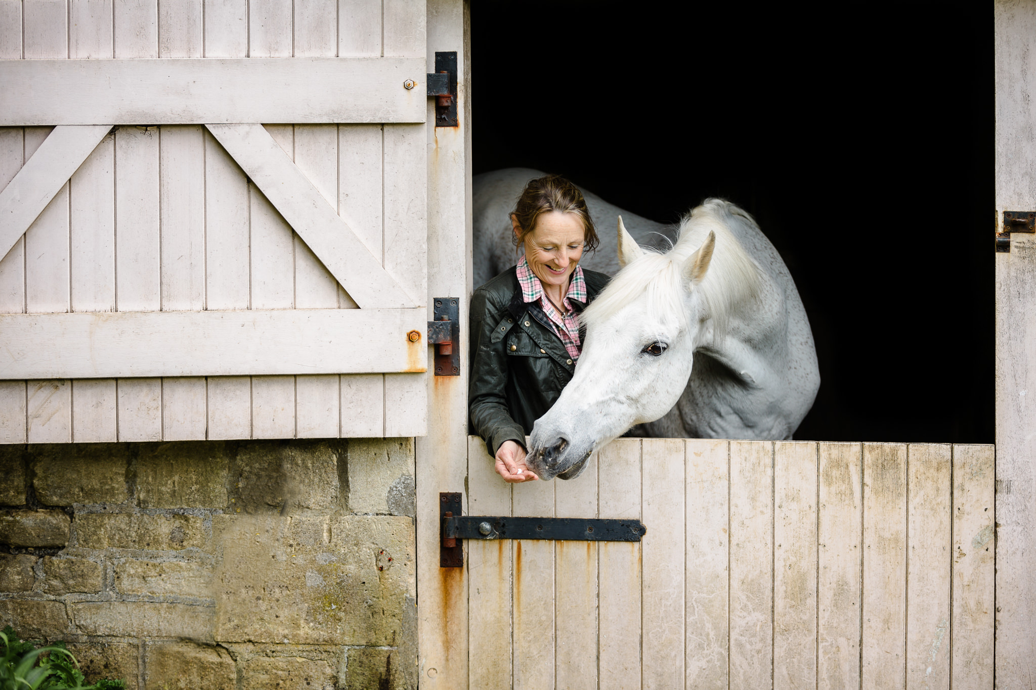 relaxed equine lifestyle photography in wiltshire