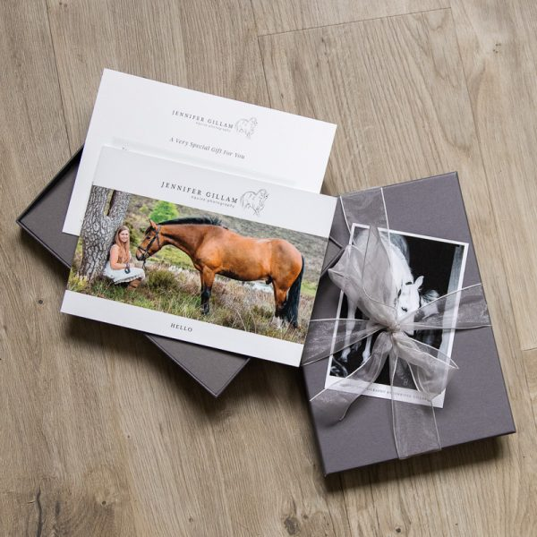 gift-boxed-voucher-for-a-professinal-equine-photoshoot
